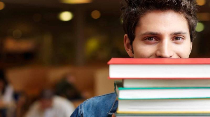 Уголок студента